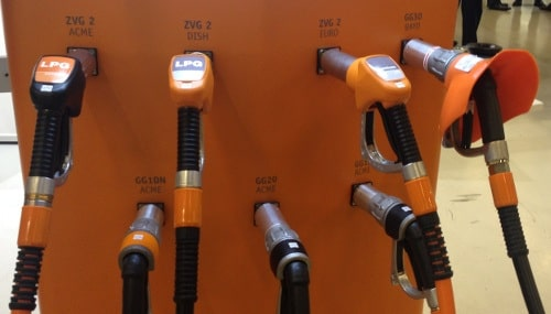 Two rows of different connectors for tanking autogas - myLPG.eu